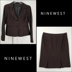 Nine West Woman With Line Skirt & Blazer Suit 12